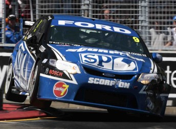 Shane van Gisbergen's SBR Falcon featured Lucky 7 support on the front bar at Sydney at the end of last year