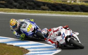 Casey Stoner leads Valentino Rossi at Phillip Island last year