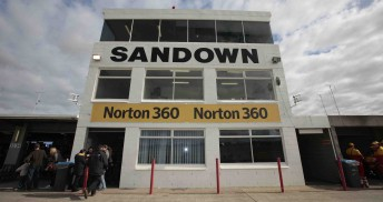 Sandown Raceway will remain on the V8 Supercars Championship Series calendar for the next 10 years