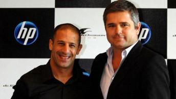 Tony Kannan (left) with Gil de Ferran last December