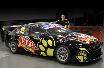 Steve Owen and the DJR-prepped V.I.P. Petfoods Falcon