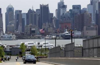 Vettel drives the Infiniti around the New Jersey layout