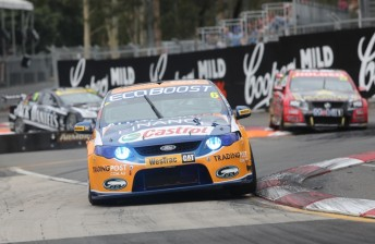 Will Davison has won the final race of the 2012 V8 Supercars Championship