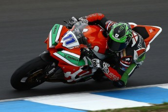 Sam Lowes set a new qualifying World SuperSPORT lap record