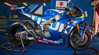 Suzuki's 1000cc development bike in the Catalunya pitlane
