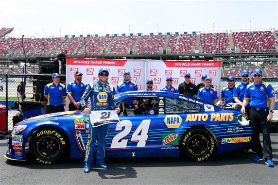 Chase Elliott takes second-straight superspeedway pole of 2016