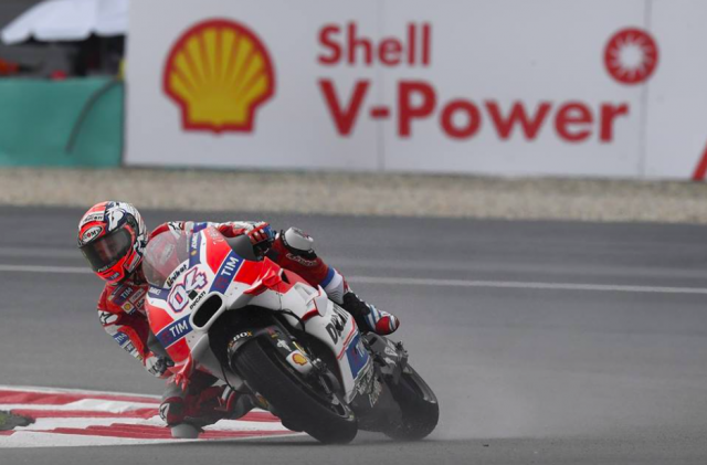Dovizioso on his way to victory