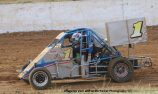 Victorian Grand Prix Midget season starts with victory to Perry