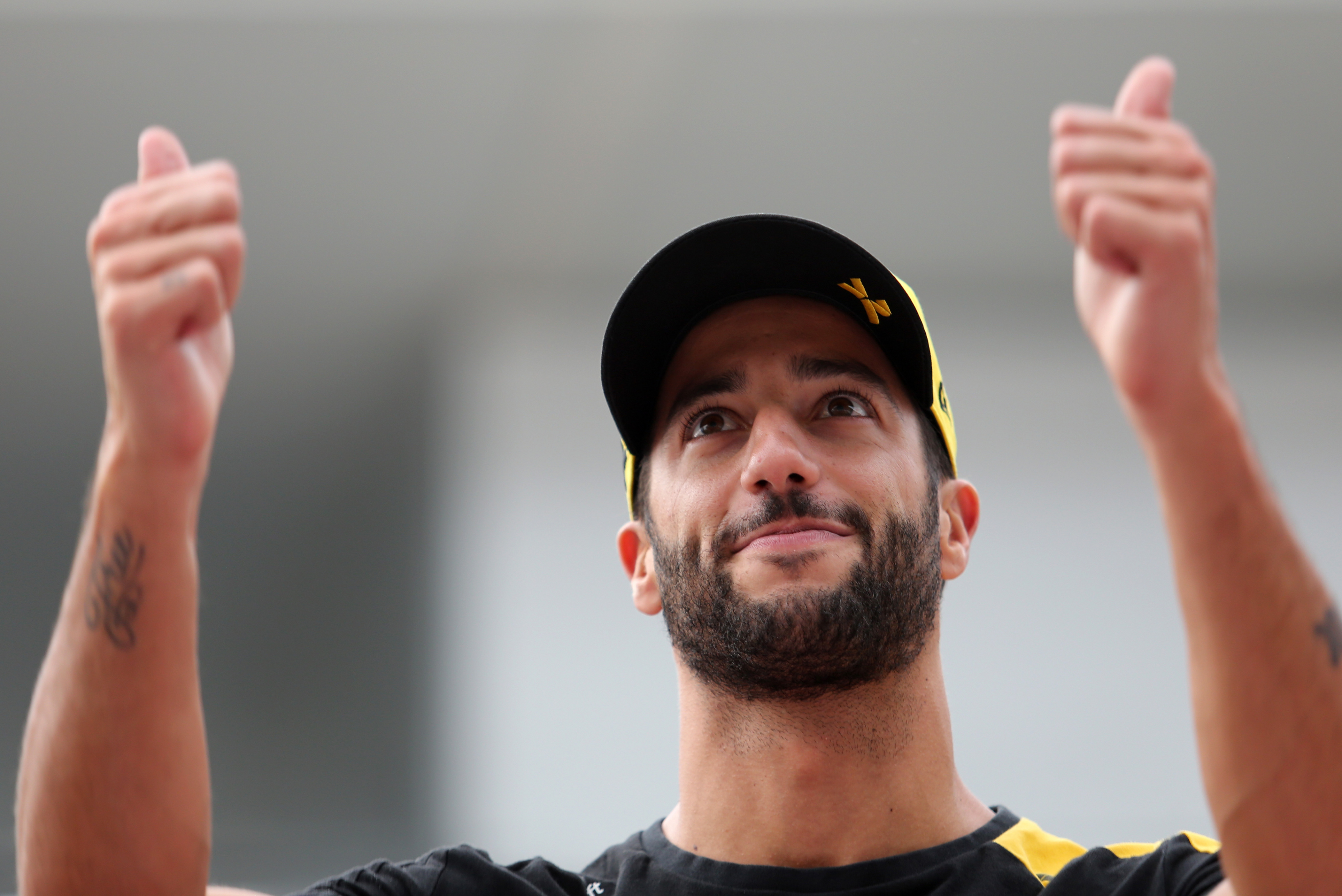 Ricciardo settles lawsuit with former manager